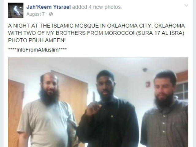 jahkeem-yisrael-isis-salute-facebook