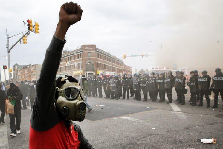baltimore_riots_mobile_4-27-15-1