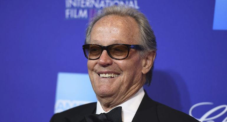 It's a Start: Peter Fonda Apologizes to President and Family for Vulgar Tweet