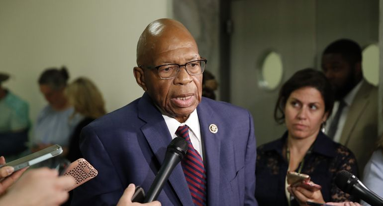 Rep. Elijah Cummings (D-Md.) speaks to media on Capitol Hill