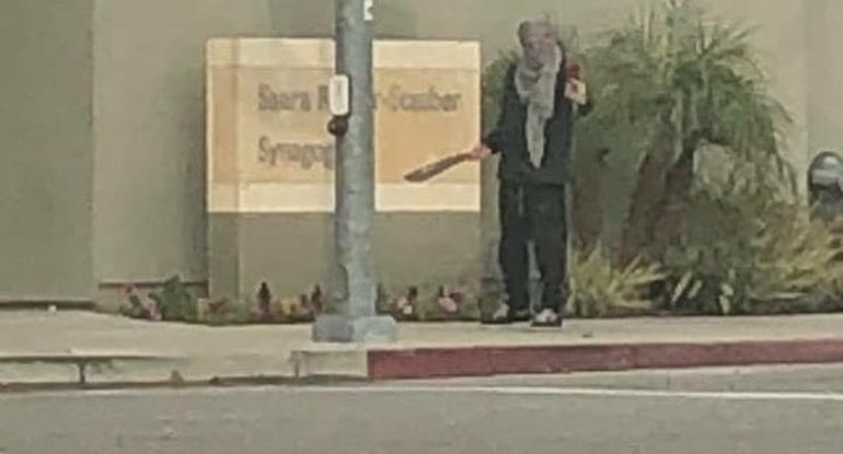 Man Who Menaced North Hollywood Synagogue with Machete Arrested