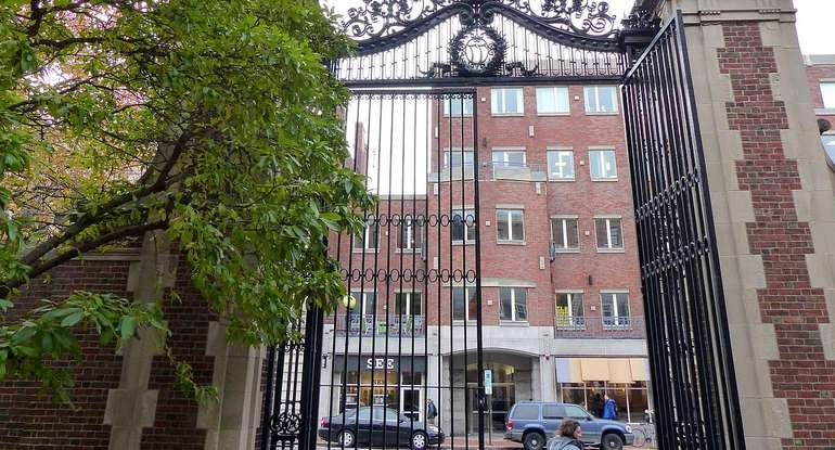 [Image: Harvard-Gate.sized-770x415xt.jpg]
