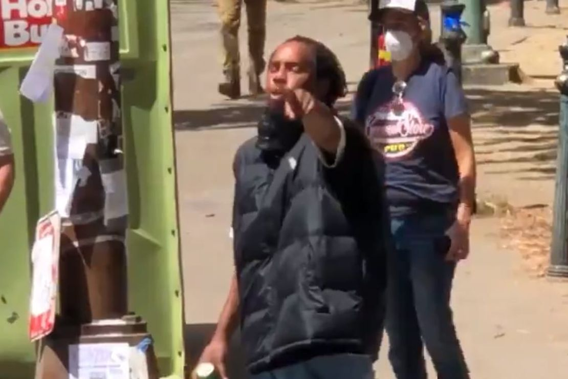 [Watch] Antifa and BLM Jackals Spectacularly Fail to Scare Pro-Cop Americans at Portland Courthouse